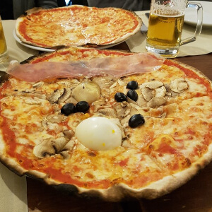 Pizza Romana is Rome's Traditional Pizza